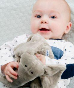 Set cadou bebelusi: elefant plus+suzeta+cutie protectie